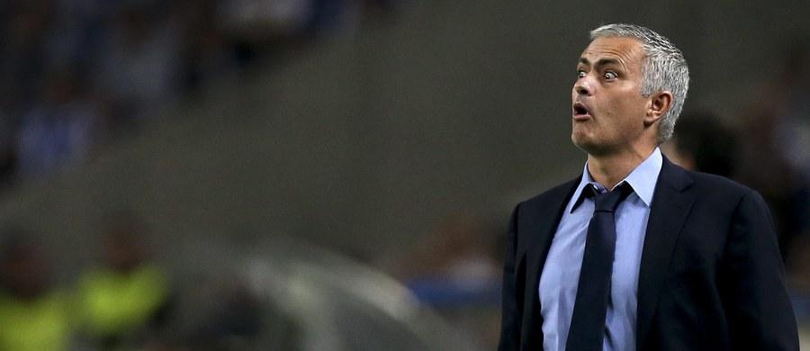 """Trener piłkarzy Chelsea Londyn Jose Mourinho przyznał na konferencji prasowej, że przechodzi najgorszy moment w karierze. Jego zespół wygrał w tym sezonie tylko cztery z 11 meczów o stawkę. """"To wspaniałe negatywne doświadczenie"""" - stwierdził Portugalczyk."""