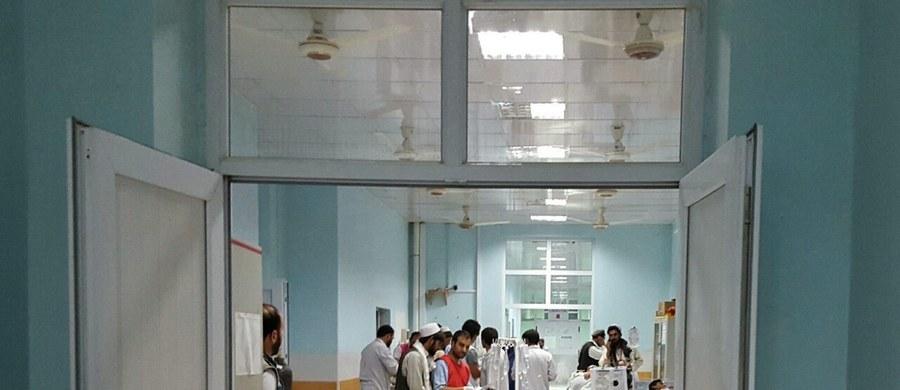 Szpital organizacji Lekarze bez Granic (MSF) w Kunduzie na północy Afganistanu został w nocy uszkodzony w wyniku bombardowania. Dziewięciu członków personelu zostało zabitych, a 37 osób jest rannych.