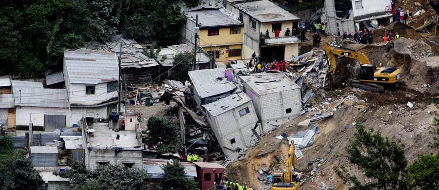 Potężna lawina ziemna zeszła na wioskę Santa Catarina Pinula w Gwatemali. Zginęło co najmniej 86 osób, w tym wiele dzieci.  350 osób jest zaginionych.