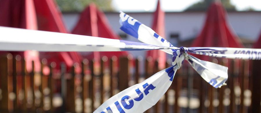 33-letni mężczyzna jest poszukiwany przez policję i prokuraturę w Zielonej Górze. Jet podejrzewany o zabójstwo 31-letniej żony i dwóch córek – 9- i 13-letniej.