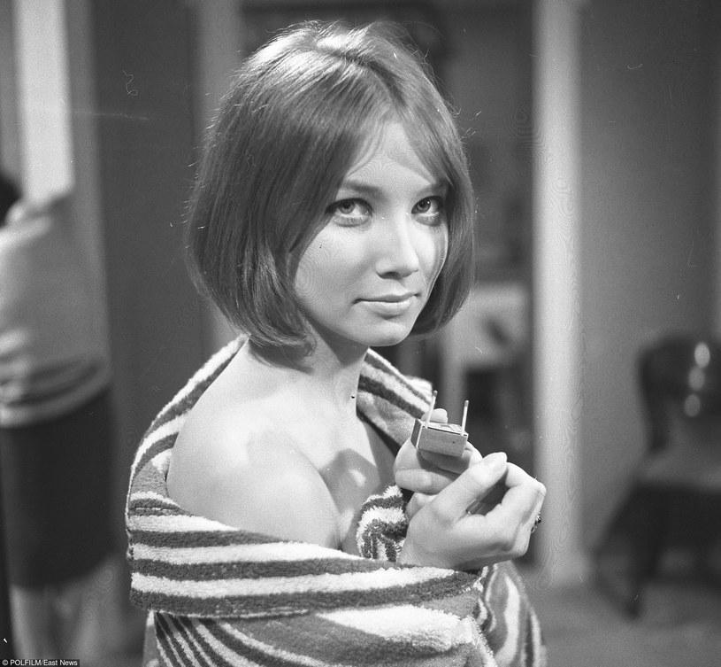 """""""...Za jej Poli Raksy twarz każdy by się zabić dał..."""" - śpiewał zespół Perfect. Do dziś Pola Raksa jest uważana za jedną z najpiękniejszych aktorek w historii polskiego kina."""