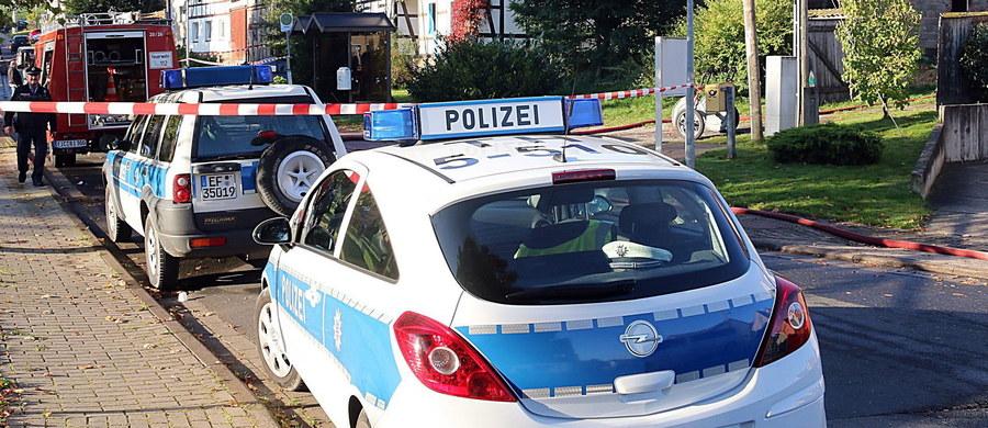 Jedna osoba zginęła w pożarze w ośrodku dla uchodźców w mieście Saalfeld, na wschodzie Niemiec - poinformowała policja. Według agencji DPA nie ma na razie przesłanek, że było to podpalenie.