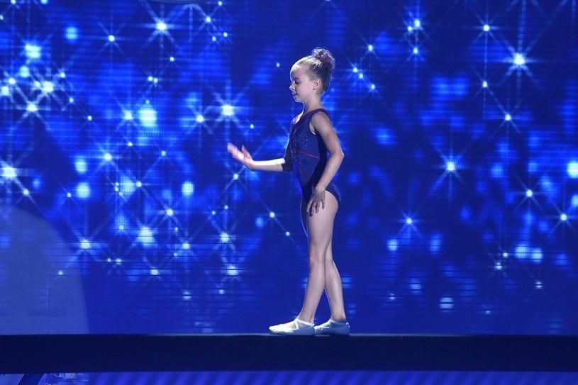 """Już w najbliższą sobotę startuje nowy talent-show Polsatu """"SuperDzieciak"""". W sieci pojawił się właśnie fragment występu jednej z uczestniczek - 11-letniej gimnastyczki Darii Kowalskiej."""