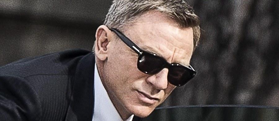 """Daniel Craig nie chce już grać Jamesa Bonda. Dał temu dobitnie wyraz w wywiadzie dla brytyjskiego czasopisma """"Time Out"""". Prędzej podciął bym sobie żyły, niż znowu zagrał Bonda - powiedział w wywiadzie brytyjski aktor."""