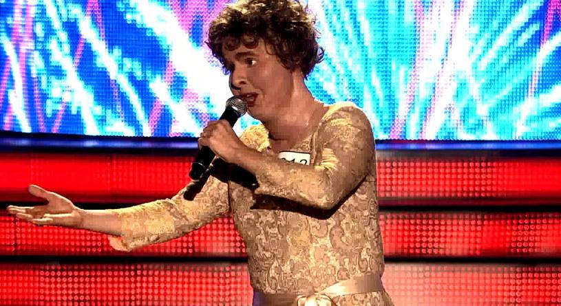 """Już w najbliższą sobotę kolejny odcinek programu """"Twoja Twarz Brzmi Znajomo"""". Czekają nas wielkie emocje. Zobaczymy m.in. Monikę Dryl, która wcieli się w brytyjską piosenkarkę, Susan Boyle."""