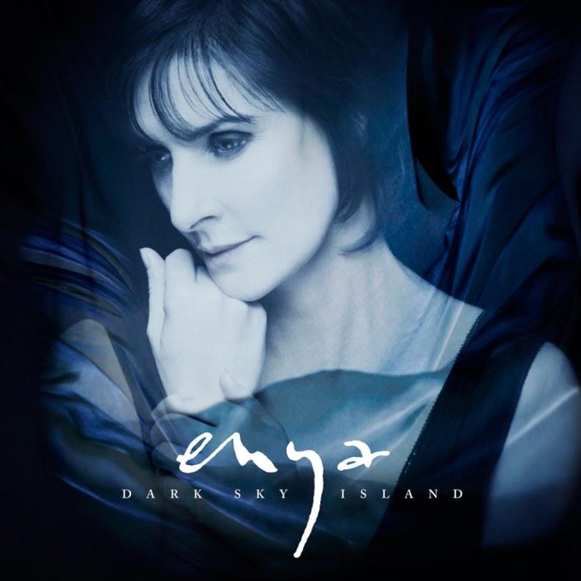 """20 listopada do sklepów trafi """"Dark Sky Island"""" - pierwsza po siedmiu latach płyta irlandzkiej wokalistki Enyi."""