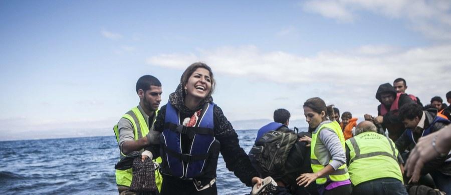 Stworzyć jak najszybciej w Syrii wolną strefę z zakazem lotów i odesłać tam większość syryjskich uchodźców z Europy oraz obozowisk w Turcji, Libanie i Jordanii. To zaskakująca propozycja grupy byłych amerykańskich generałów, którzy oskarżają zachodnich przywódców, że przestali panować nad sytuacją.
