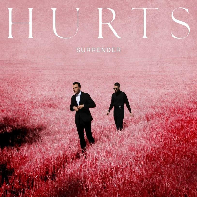 Umieli łączyć to, co z pozoru nie do połączenia: światło i mrok. Na nowej płycie Hurts wydają się jednak wybierać jedną drogę - tę jaśniejszą.