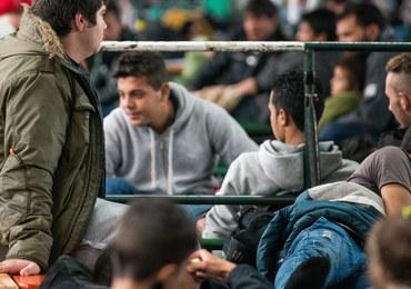 Bruksela zorganizowała tragikomiczne widowisko z uchodźcami w tle