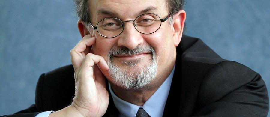 """Arabia Saudyjska protestuje przeciwko wydaniu w Czechach książki Salmana Rushdiego """"Szatańskie wersety"""". Ambasador Czech w Rijadzie został wezwany do saudyjskiego MSZ gdzie oświadczono mu, że książka obraża islam i muzułmanów i zażądano wstrzymania jej sprzedaży."""