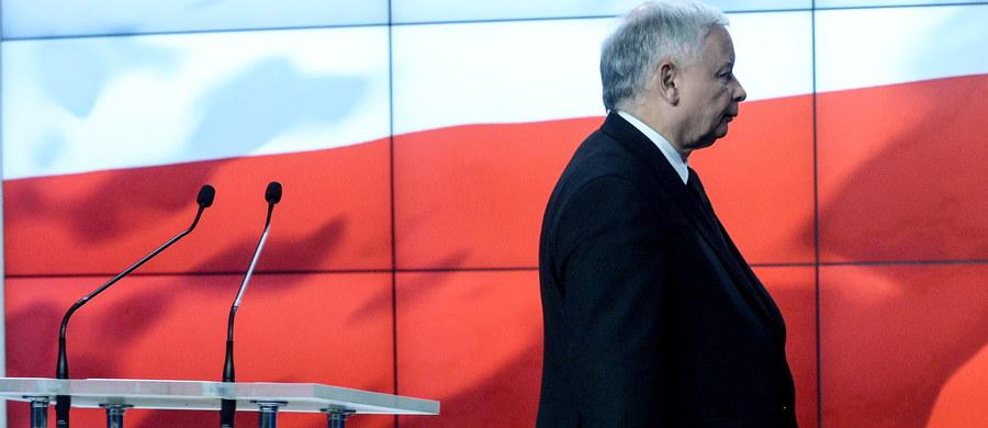 36 proc. poparcia dla Prawa i Sprawiedliwości, 24 proc. dla Platformy Obywatelskiej - tak wynika z najnowszego sondażu TNS Polska przeprowadzonego na początku października. W parlamencie znalazłoby się również ugrupowanie Kukiz'15. Poniżej progu znalazłyby się: PSL, Zjednoczona Lewica, Nowoczesna Ryszarda Petru i partia KORWiN.