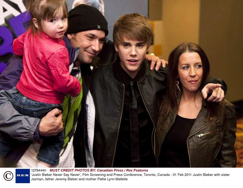 Takiej reakcji na nagie zdjęcia gwiazdora nikt się nie spodziewał. Na Twitterze wyciek nagiej fotografii skomentował Jeremy Bieber, ojciec Justina.