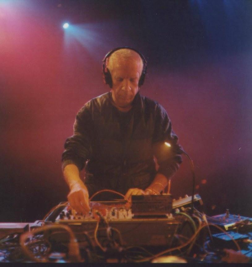 DJ i producent Charles Cohen został aresztowany pod zarzutem uprawiania seksu z osobami nieletnimi.