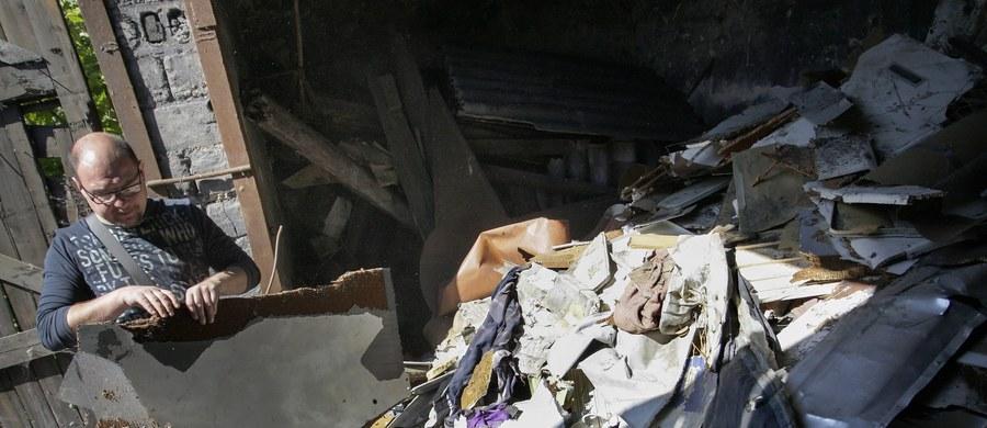 Międzynarodowi śledczy ustalili, że samolot Boeing 777 został zestrzelony w lipcu ubiegłego roku przez rakietę przeciwlotniczą Buk wystrzeloną z terenów na wschodzie Ukrainy. Były one kontrolowane przez prorosyjskich separatystów - twierdzi holenderska prasa.