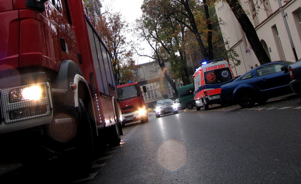 Straż pożarna wykluczyła wyciek gazu w gimnazjum nr 43 w centrum Warszawy. Jak podają służby, wstępną przyczyną omdleń była słaba wentylacja sali gimnastycznej. Około godziny 11:00 we wtorek ze szkoły ewakuowano uczniów i nauczycieli. Poszkodowanych zostało 29 osób, 13 trafiło do szpitala na obserwację.