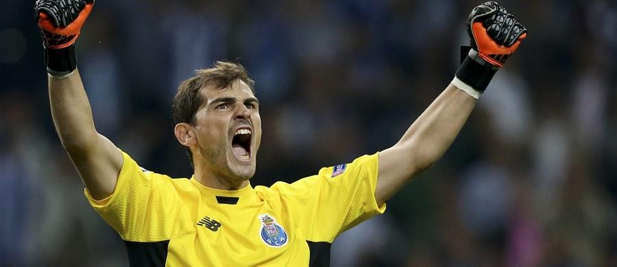 """Po transferze hiszpańskiego bramkarza Ikera Casillasa, portugalski klub piłkarski FC Porto zanotował wzrost sprzedaży koszulek o 10 procent. """"Casillas spłaca część swojej pensji"""" - zatytułowano analizę, którą opublikował dziennik """"O Jogo""""."""