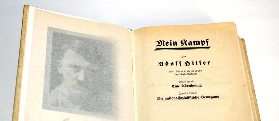 """Francuska oficyna wydawnicza Fayard poinformowała, że planuje na 2016 rok krytyczne, opatrzone komentarzami wydanie """"Mein Kampf"""" Adolfa Hitlera. Wywołuje to gorące protesty środowisk żydowskich."""