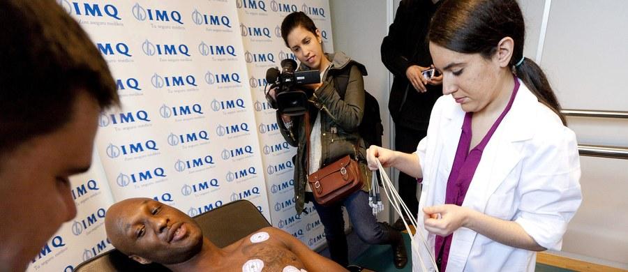 Lamar Odom, dwukrotny mistrz NBA z Los Angeles Lakers jest w szpitalu w Nevadzie w stanie śpiączki, a funkcje jego organizmu podtrzymuje specjalistyczna aparatura. Przedawkował narkotyki, ziołową viagrę i koniak podczas pobytu w jednym z domów publicznych.