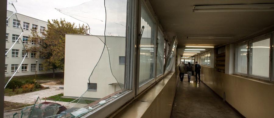 W okolicach łącznika między budynkami na Uniwersytecie Technologiczno-Przyrodniczym w Bydgoszczy nie było monitoringu - ustalił reporter RMF FM Paweł Balinowski. Podczas imprezy  otrzęsinowej, z powodu ogromnego ścisku i duchoty, wybuchła tam panika. Tłum stratował 24-letnią studentkę, której nie udało się uratować. Dzisiaj zawieszony został prorektor ds. dydaktycznych i studenckich UTP - będzie odsunięty od obowiązków do czasu wyjaśnienia sprawy.