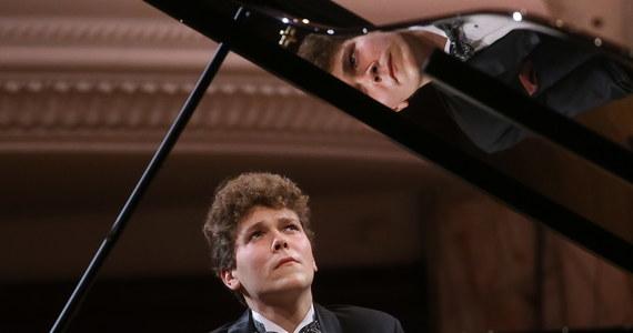 Polak znalazł się w finale XVII Konkursu Chopinowskiego. Do ścisłej dziesiątki zakwalifikował się Szymon Nehring: 20-latek z Krakowa, który gra na fortepianie od 5. roku życia.