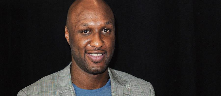 Poprawia się stan zdrowia Lamara Odoma, dwukrotnego mistrza NBA z Los Angeles Lakers, który w stanie krytycznym trafił kilka dni temu do szpitala w Las Vegas. Według amerykańskich mediów, 35-letni koszykarz wybudził się ze śpiączki.