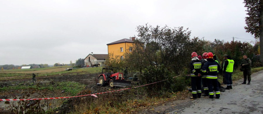 Tragedia w miejscowości Piękne Łąki w mazurskiej gminie Gołdap przy granicy z Obwodem Kaliningradzkim. 61-letni rolnik zginął po eksplozji niewybuchu, na który najechał ciągnikiem.