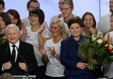 Wyniki wyborów: PiS wygrywa i może samodzielnie rządzić! W Sejmie 5 partii [RELACJA NA ŻYWO]