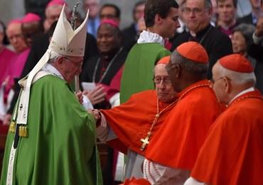 Sędziwy kardynał przewrócił się w bazylice. Papież odwiedził go w szpitalu