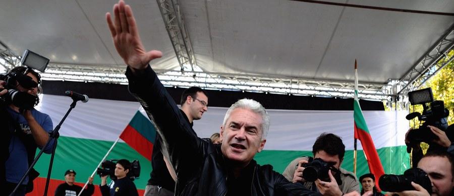 Lider skrajnie nacjonalistycznej bułgarskiej partii Ataka Wolen Siderow wywołał skandal na uczelni teatralnej. Interweniowała policja. Kilka osób poturbowano. Siderowa i innych uczestników zajścia odwieziono na policję.