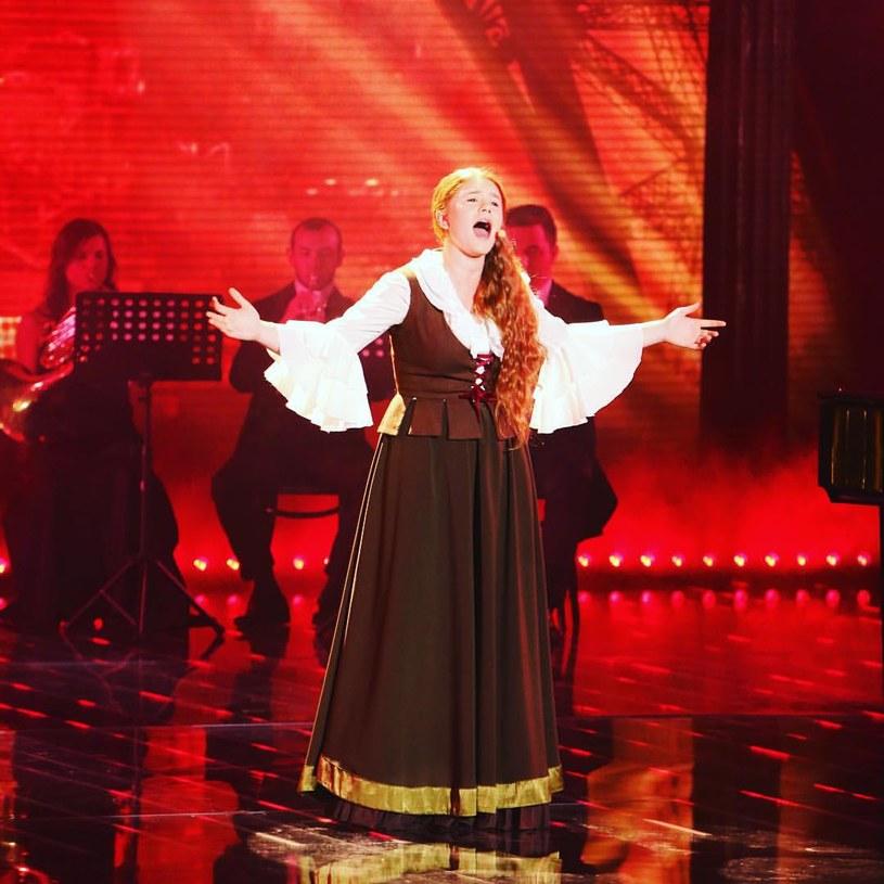 """Zgodnie z oczekiwaniami 15-letnia wokalistka Zuzanna Rosa wygrała trzeci odcinek programu """"SuperDzieciak""""."""