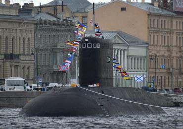 Rosyjskie okręty podwodne zagrażają kablom internetowym