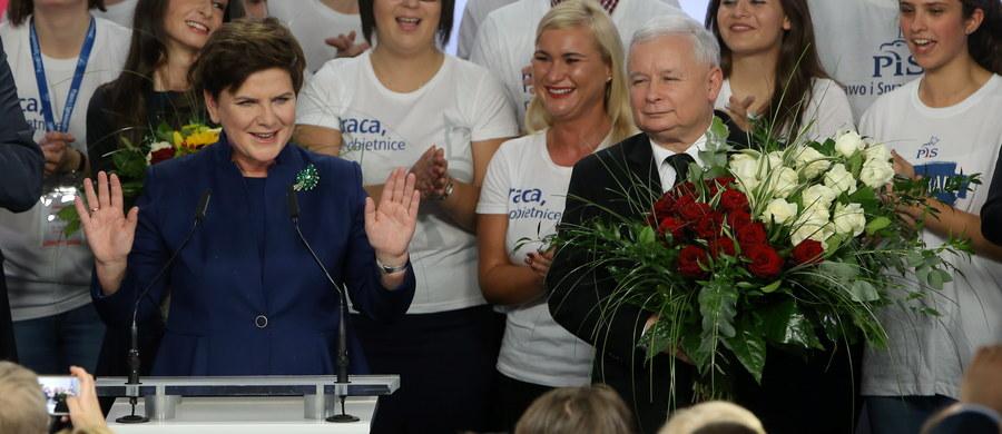 Rzecznik niemieckiego rządu Steffen Seibert zasygnalizował gotowość Berlina do kontynuowania bliskich i przyjaznych kontaktów z nowym rządem polskim, który powstanie po niedzielnych wyborach.