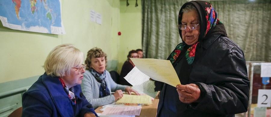 Niedzielne wybory samorządowe na Ukrainie były zgodne ze standardami demokratycznymi – oceniła Organizacja Bezpieczeństwa i Współpracy w Europie, która monitorowała głosowanie. OBWE zastrzegła jednak, że należy dążyć do dalszej poprawy procesu wyborczego.