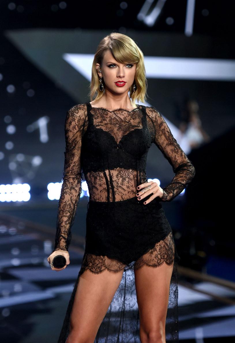 Taylor Swift podzieliła się z fanami zdjęciem z przeszłości. Kilkuletnia wokalistka jest na nim przebrana za teletubisia.