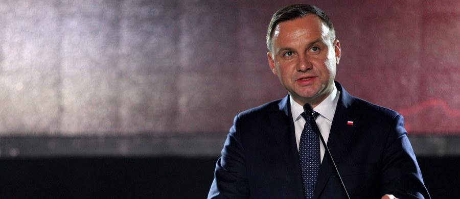 Prezydent Andrzej Duda jest liderem rankingu zaufania do polityków opublikowanego przez CBOS. Największą nieufność budzą Janusz Korwin-Mikke oraz Janusz Palikot.