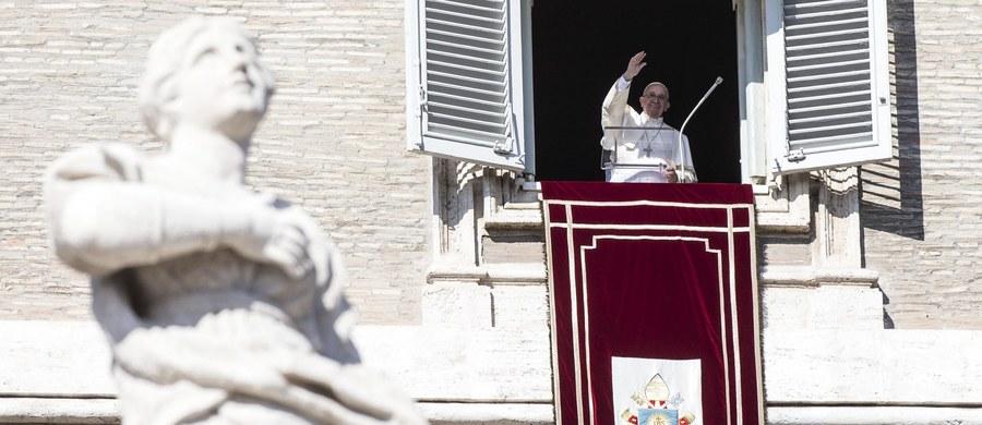 Ksiądz Lucio Angelo Vallejo Balda, sekretarz Prefektury Spraw Ekonomicznych Stolicy Apostolskiej i Francesca Chaouqui, była doradczyni papieża zostali zatrzymani objęci śledztwem w sprawie wycieku tajnych dokumentów dotyczących finansów Watykanu. Kobieta została zwolniona, wobec księdza utrzymano areszt - informuje biuro prasowe Stolicy Apostolskiej.