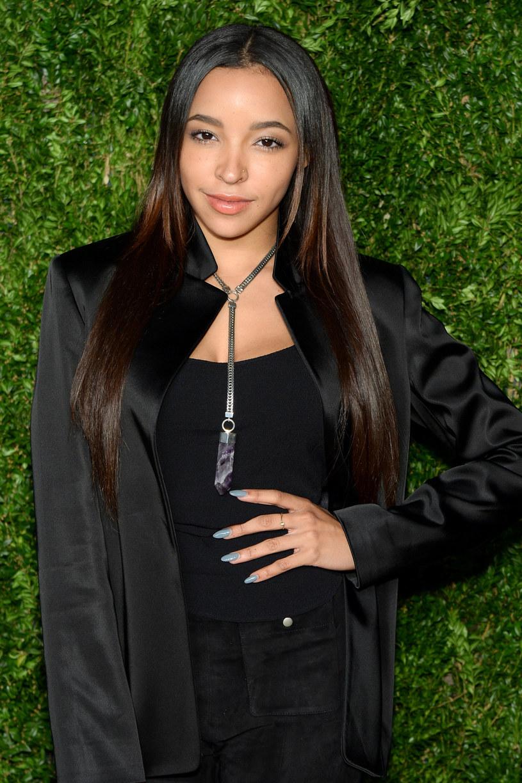 """W teledysku """"Player"""" obok amerykańskiej wokalistki Tinashe pojawia się towarzyszący jej w piosence Chris Brown. W klipie nie zabrakło gorących scen tanecznych - zobaczcie sami!"""