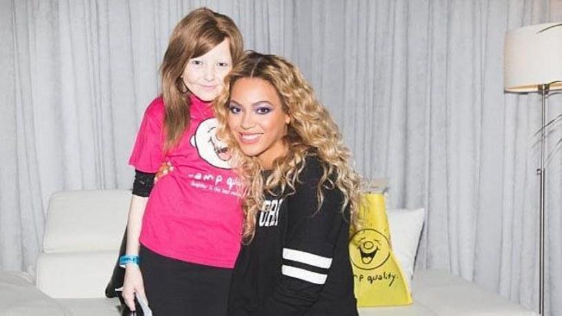 W kwietniu 2014 r. na raka zmarła Chelsea James, 15-letnia fanka Beyonce. Teraz ujawniono, że wokalistka zadzwoniła do dziewczyny krótko przed jej śmiercią.
