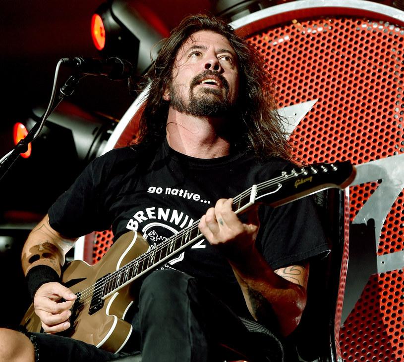"""Pod koniec lipca tysiąc wykonawców w Cesenie wykonało utwór """"Learn To Fly"""" i zaprosiło do swojej miejscowości Dave'a Grohla wraz z Foo Fighters. Ten oczywiście przyjął zaproszenie. 3 listopada miał okazję podziękować na żywo za obecność we Włoszech."""