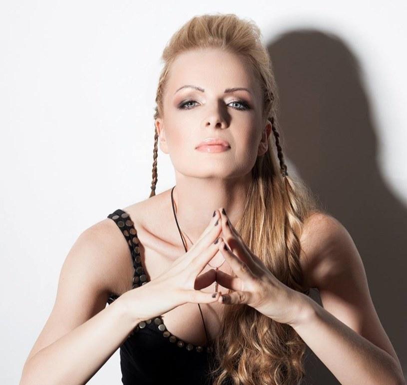 Wokalistka ukrywająca się pod pseudonimem Keti postanowiła nagrać protest song przeciwko przyjazdowi muzułmanów do Polski.