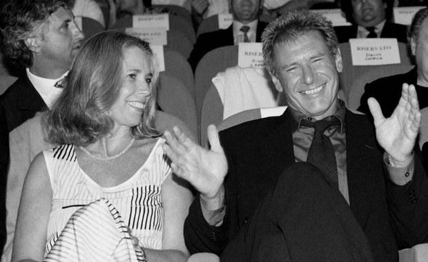 """Zmarła Melissa Mathison, scenarzystka filmu """"E.T."""" Stevena Spielberga i była długoletnia żona amerykańskiego gwiazdora Harrisona Forda. Miała 65 lat."""