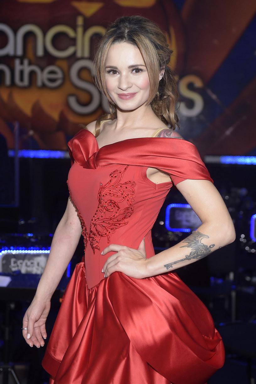 Odpadła w 6. odcinku, ale po kontuzji Anny Cieślak wróciła na parkiet. - Nie mam parcia na zwycięstwo - przyznaje piosenkarka Ewelina Lisowska.
