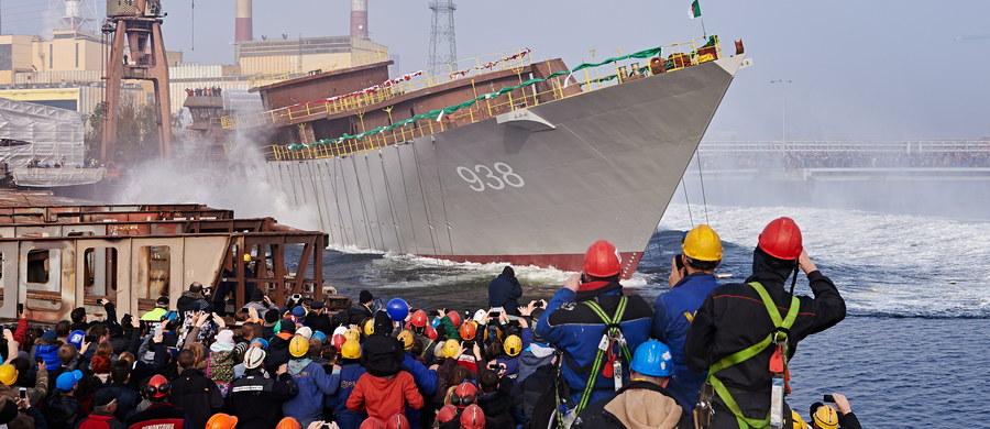 Jedna osoba została ranna podczas wypadku w stoczni Remontowa Shipbuilding w Gdańsku. Do zdarzenia doszło podczas wodowania żaglowca. Uszkodzona została część rampy widokowej, na której stali ludzie.