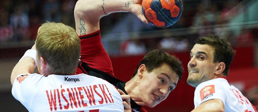 Polska pokonała Rosję 27:21 (14:9) w rozgrywanym w Ergo Arenie w Gdańsku międzynarodowym turnieju towarzyskim piłkarzy ręcznych. W niedzielę biało-czerwoni zagrają o pierwsze miejsce z Hiszpanią, która we wcześniejszym spotkaniu pokonała Szwecję 32:27. W meczu o trzecie miejsce Skandynawowie zmierzą się z Rosjanami.