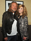"Robert Plant i Alison Krauss na święta (""Light of Christmas Day"")"