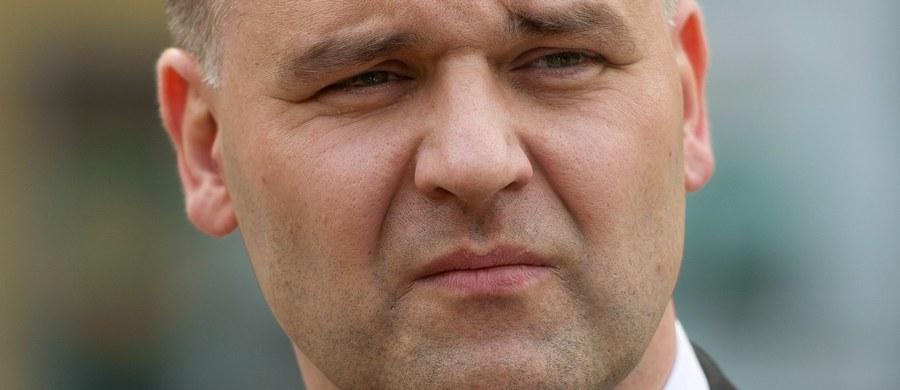 Dawid Jackiewicz będzie szefem resortu Skarbu Państwa w rządzie Beaty Szydło. Jackiewicz był posłem trzech kadencji Sejmu. Przez kilka miesięcy w 2007 r. pełnił funkcję wiceministra skarbu.