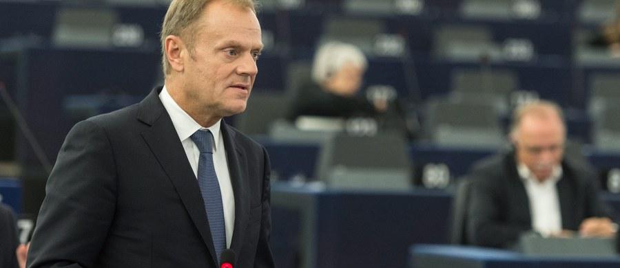 Szef Rady Europejskiej Donald Tusk powiedział w poniedziałek, że Niemcy powinny odegrać rolę przewodnią w walce z kryzysem migracyjnym w Europie. Wśród najpilniejszych zadań wymienił zabezpieczenie granicy zewnętrznej UE i walkę z radykalnym populizmem.