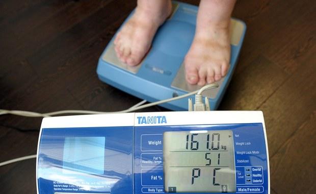 Mimo kampanii i wysiłków na rzecz walki z epidemią otyłości w USA, Amerykanie wciąż przybierają na wadze. Centrum Kontroli Chorób i Prewencji (CDC) ogłosiło, że na otyłość cierpi już prawie 38 proc. dorosłych mieszkańców USA.
