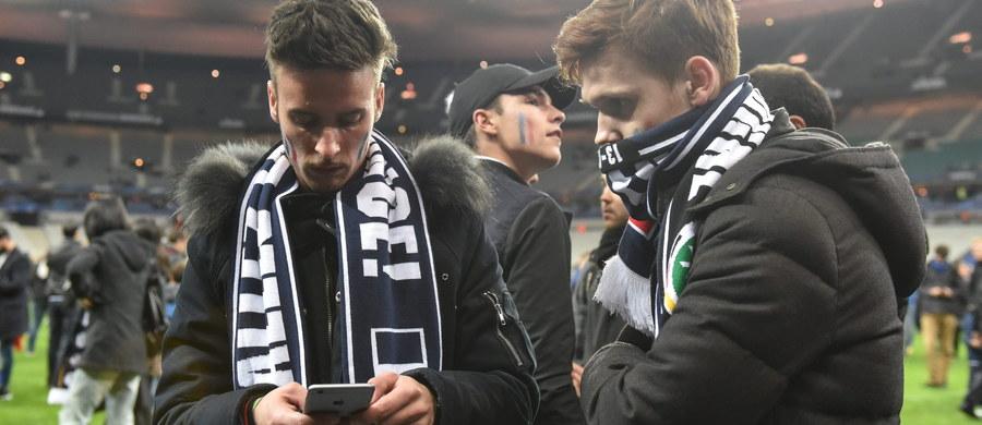 """""""Wszyscy jesteśmy w szoku, siedzieliśmy przerażeni na ławce rezerwowych"""" - powiedział po meczu Francja-Niemcy trener piłkarskich mistrzów świata Joachim Loew. To komentarz do tragicznych wydarzeń w Paryżu - dwa wybuchy słyszalne były na Stade de France, gdzie rozgrywano wczorajszy pojedynek. Przed stadionem zginęło kilka osób. W sumie w serii zamachów w Paryżu - według najnowszych doniesień - zabitych zostało 128 osób, ponad 200 jest rannych."""