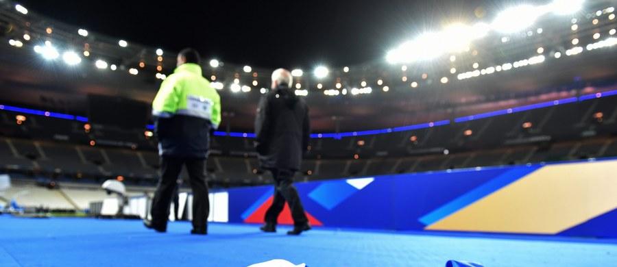 """Prezes Polskiego Związku Piłki Nożnej Zbigniew Boniek uważa, że wobec piątkowych zamachów terrorystycznych w Paryżu przyszłoroczne mistrzostwa Europy we Francji nie są zagrożone. """"Jednak zabezpieczenie turnieju będzie bardzo trudne"""" – powiedział Boniek."""
